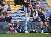29th May 2021; Sixways Stadium, Worcester, Worcestershire, England; Premiership Rugby, Worcester Warriors versus Leicester Tigers; Jamie Shillcock of Worcester Warriors scores a try