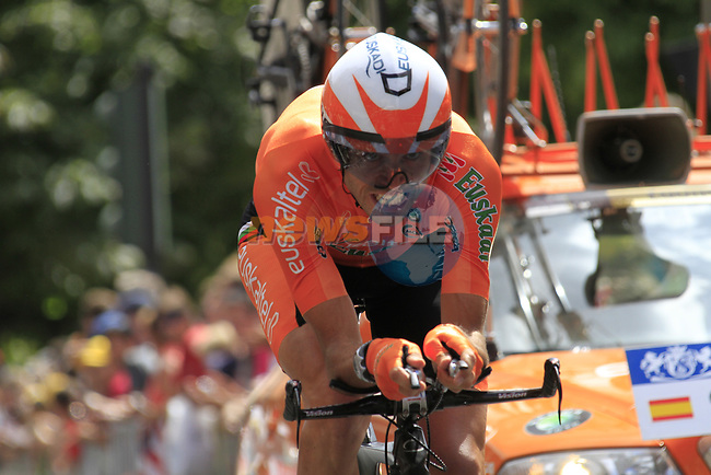 Samuel Sanchez (ESP) Euskaltel- Eskadi in action during Stage 19 of the 2010 Tour de France an individual time trial running 52km from Bordeaux to Pauillac, France. 24th July 2010.<br /> (Photo by Eoin Clarke/NEWSFILE).<br /> All photos usage must carry mandatory copyright credit (© NEWSFILE | Eoin Clarke)