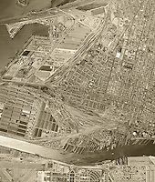 historical aerial photograph of the Port of Oakland, Oakland, California, 1946