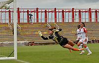 VILLAVICENCIO- COLOMBIA, 01-08-2021: Llaneros e Independiente Santa Fe en partido por la fecha 5 como parte de la Liga Femenina BetPlay DIMAYOR 2020 jugado en el estadio Bello Horizonte de Villavicencio  / Llaneros  and Independiente Santa Fe in match for the date 5 as part of Women's BetPlay DIMAYOR 2021 League, played at Bello Horizonte  stadium in Villavicencio. Photo: VizzorImage / Juan Herrera / Contribuidor