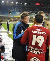 Cercle Brugge - KV Kortrijk..Rudi Verkempinck geeft instructies aan Salah Bakour (rechts). ..foto VDB / BART VANDENBROUCKE