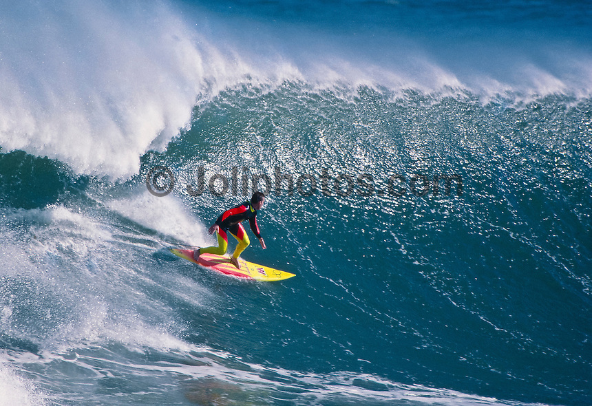 Gary Kong Elkerton (AUS) surfing Mundaka rivermouth during an epic swell in November 1989. Mundaka, Basque Country, Spain. Photo: joliphotos.com