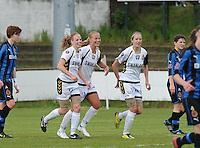 Club Brugge Dames - Telstar Ijmuiden : vreugde bij Dominique Vugts (midden) en Telstar na haar doelpunt<br /> foto Dirk Vuylsteke / nikonpro.be