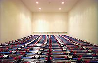 milano, carrelli del supermercato --- milan, shopping carts in a supermarket