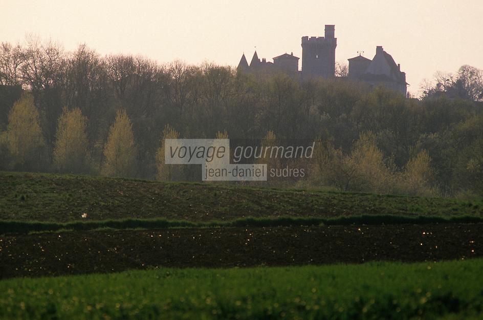 Europe/France/Aquitaine/47/Lot-et-Garonne/Xaintrailles : Le château construit au XII° et restauré au XVIII°