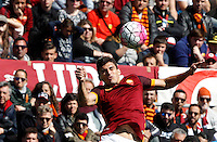 Calcio, Serie A: Roma vs Napoli. Roma, stadio Olimpico, 25 aprile 2016.<br /> Roma's Diego Perotti controls the ball during the Italian Serie A football match between Roma and Napoli at Rome's Olympic stadium, 25 April 2016.<br /> UPDATE IMAGES PRESS/Riccardo De Luca