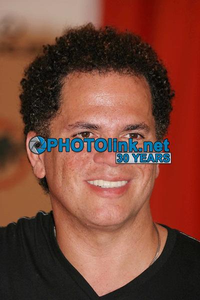 Romero Britto, 10-12-2009. Photo by JR Davis-PHOTOlink