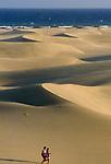 Spanien, Kanarische Inseln, Gran Canaria, Maspalomas, Duenen aus afrikanischem Wuestensand   Spain, Canary Island, Gran Canaria, Maspalomas, dunes