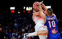 Spain's Sergio Llull (L) vies with France's Evan Fournier (R) during European championship semi-final basketball match between France and Spain on September 17, 2015 in Lille, France  (credit image & photo: Pedja Milosavljevic / STARSPORT)