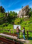 Deutschland, Bayern, Niederbayern, Naturpark Bayerischer Wald, bei Viechtach: Pfahlriegel St. Antoniuspfahl | Germany, Bavaria, Lower-Bavaria, Nature Park Bavarian Forest, near Viechtach: Pfahlriegel St. Antonius, quartz vein of 150 km length through the Bavarian Forest