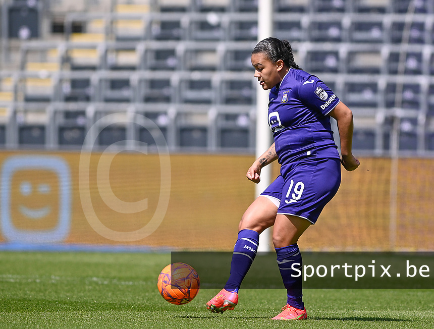 Mariam Abdulai Toloba (19) of Anderlecht pictured during a female soccer game between RSC Anderlecht Dames and Standard Femina De Liege on the third matchday of play off 1 of the 2020 - 2021 season of Belgian Womens Super League , saturday 24 th of April 2021  in Brussels , Belgium . PHOTO SPORTPIX.BE | SPP | DAVID CATRY