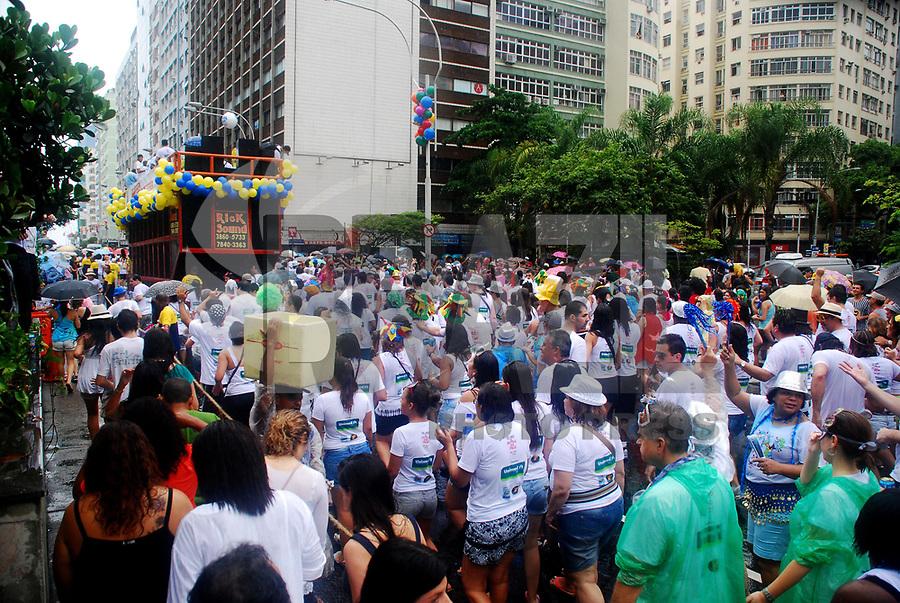 """RIO DE JANEIRO, RJ, 05 DE MARÇO DE 2011 - CORDÃO DA BOLA PRETA - Desfile do tradicional bloco de carnaval """"Cordão da Bola Preta"""", pela Avenida Rio Branco, no centro do Rio de Janeiro, neste sábado, 5. (FOTO: FERNANDO FERREIRA / NEWS FREE)."""