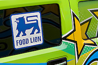 "To complement the recent launch of the Guiding Stars Nutrition.Navigation System throughout its Food Lion and Bloom stores, Food Lion LLC rolled out a mobile marketing tour called the ""Guiding.Stars 3 Star Kitchen"" that traveled to stores and community events throughout four states and the District of Columbia.this summer and fall.."