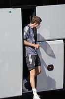 Thomas Mueller (Deutschland Germany) steigt aus dem Bus - Seefeld 28.05.2021: Trainingslager der Deutschen Nationalmannschaft zur EM-Vorbereitung