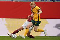 Tabea Waßmuth (Deutschland, Germany) gegen Clare Polkinghome (Australien, Australia) - 10.04.2021 Wiesbaden: Deutschland vs. Australien, BRITA Arena, Frauen, Freundschaftsspiel