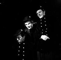 La tour Eiffel qui tue, 5 juin 1957<br /> <br /> En compagnie de Louis de Santis et de Claude PrŽfontaine
