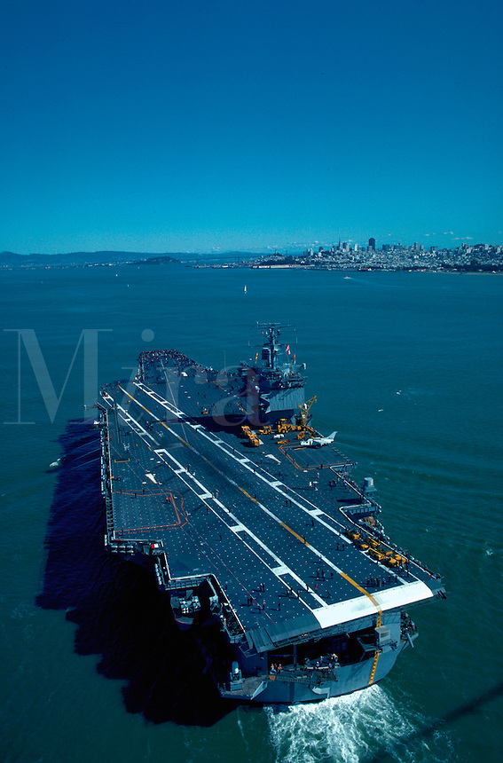 USS Enterprise aircraft carrier enters San Francisco Bay