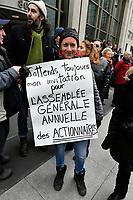 Manif anti BOMBARDIER, le 2 avril 2017, en presence de manon Masse,deputee de Quebec Solidaire<br /> <br /> PHOTO : Agence Quebec Presse