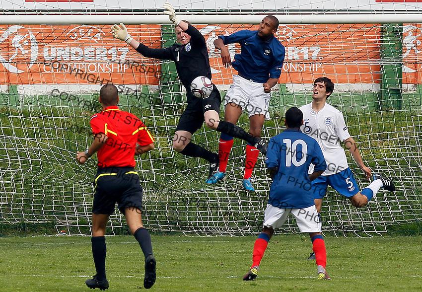 Soccer, UEFA U-17.France Vs. England.Goalkeeper Jordan Pickford, left and Sebastien Haller.Indjija, 03.05.2011..foto: Srdjan Stevanovic
