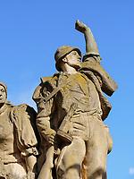 Denkmal für die Beteiligten am Nationalaufstand vor dem Stadttor, Kremnica, Banskobystricky kraj, Slowakei, Europa<br /> Memorial of national uprising, Kremnica, Banskobystricky kraj, Slovakia, Europe