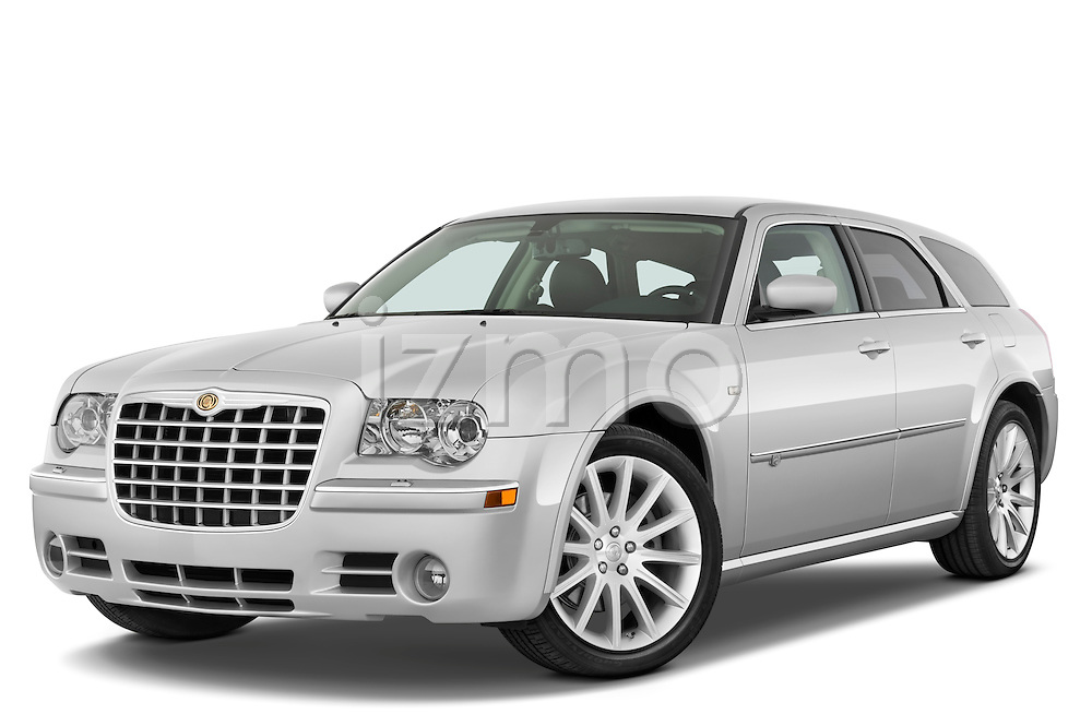 Low aggressive front three quarter view of a 2009 Chrysler 300 CRD.