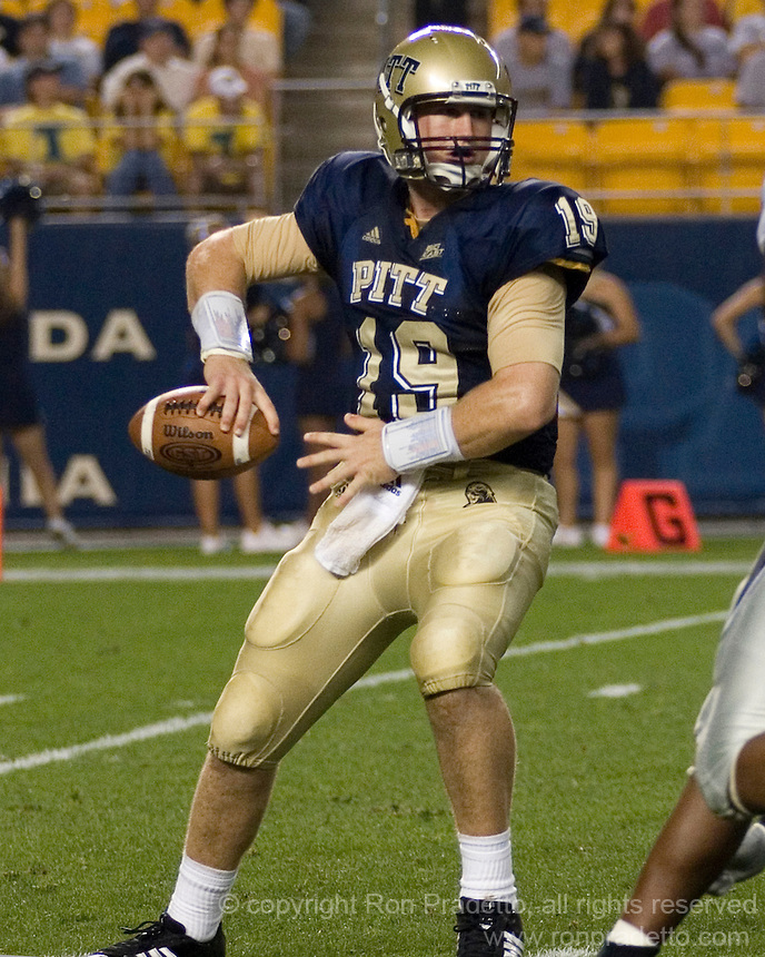 22 September 2007: Pitt quarterback Pat Bostick..The Connecticut Huskies defeated the Pitt Panthers 34-14 on September 22, 2007 at Heinz Field in Pittsburgh, Pennsylvania. .