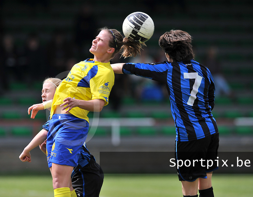 Club Brugge Dames - STVV Sint Truidense VV : Marlies Verbruggen met de kopbal.foto DAVID CATRY / Nikonpro.be