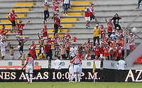 IBAGUÉ -COLOMBIA, 04-03-2015. Jugadores de Independiente Santa Fe celebran después de anotar un gol a Deportes Tolima en partido por la fecha 17 de la Liga Águila I 2016 jugado en el estadio Manuel Murillo Toro de Ibagué./ Players of Independiente Santa Fe celebrates after scoring a goal to Deportes Tolima during match for the date 17 of the Aguila League I 2016 played at Manuel Murillo Toro stadium in Ibague city. Photo: VizzorImage / Juan Carlos Escobar / Cont