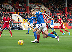 Aberdeen v St Johnstone…14.09.19   Pittodrie   SPFL<br />Ali McCann drives into the box past Lewis Ferguson<br />Picture by Graeme Hart.<br />Copyright Perthshire Picture Agency<br />Tel: 01738 623350  Mobile: 07990 594431