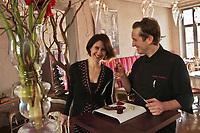 Europe/France/Rhône-Alpes/38/Isére/Grenoble: Stéphane Froidevaux  et son épouse,  restaurant: Le Fantin Latour [Non destiné à un usage publicitaire - Not intended for an advertising use]