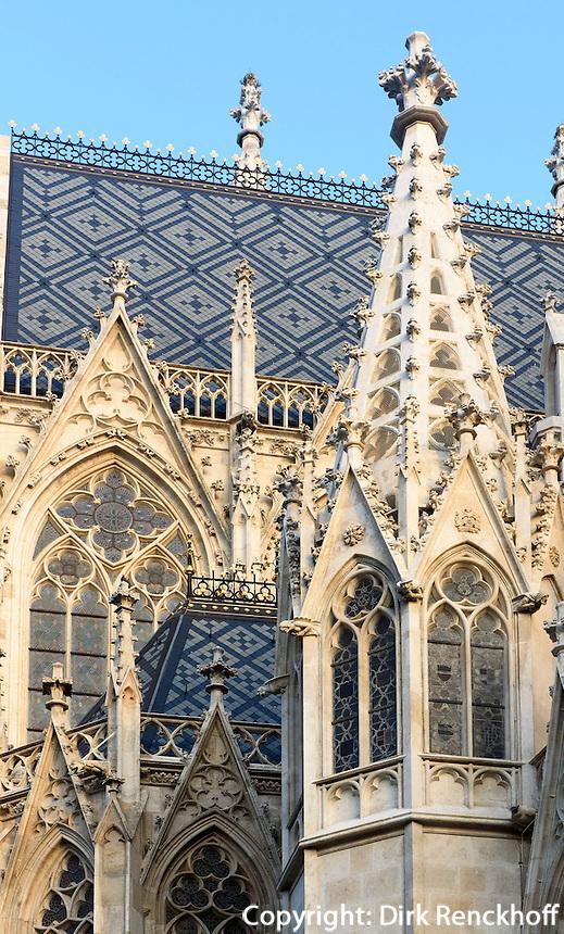 Neogotische Votivkirche erbaut 1856-1859 von Heinrich Ferstel, Rooseveltplatz 8, Wien, Österreich, UNESCO-Weltkulturerbe<br /> neo-Gothic Votiv-Vhurch built 1856-1859 by Heinrich Ferstel, Vienna, Austria, world heritage