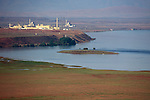 Columbia River, Department of Energy Hanford Site, Deactivated 100-D and 100-N atomic reactors, view from the White Bluffs, Hanford Reach National Monument, Wahluke Slope, eastern Washington State, Pacific Northwest, USA,