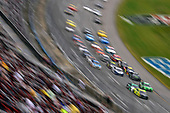 #12: Ryan Blaney, Team Penske, Ford Mustang Menards /Sylvania and #18: Kyle Busch, Joe Gibbs Racing, Toyota Camry Interstate Batteries