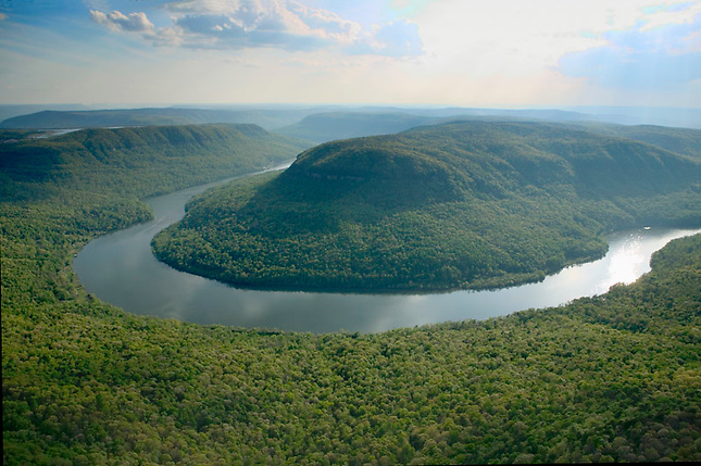 Tennessee River winding through Cumberland Plateau