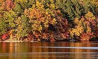 Photographer Jan Halgrim / Lake Ann in Fall 2