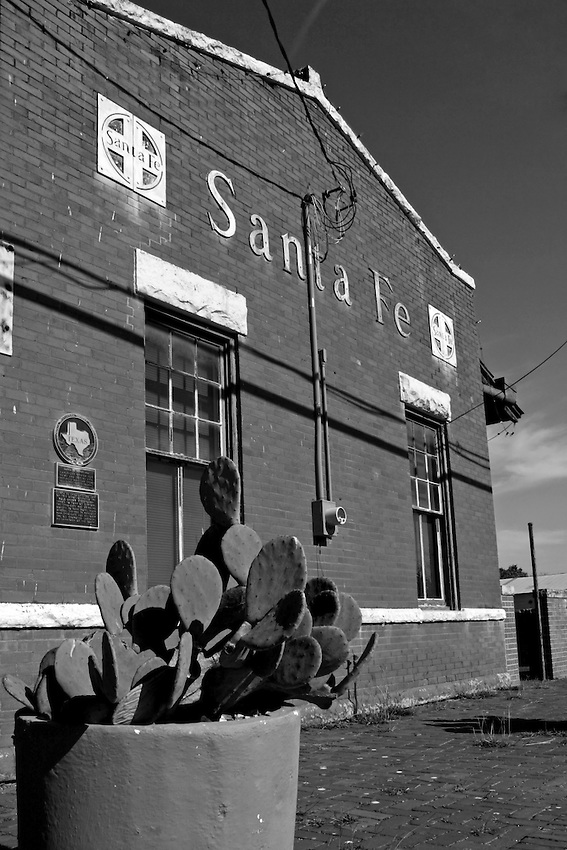 Santa Fe operated a mule-drawn street car out of this station - 1880's to the turn of century. The street car brought guests to the Park Hotel near mineral springs in Hancock Park.