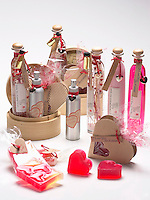 Jan 14,  2001, Montreal, Quebec, Canada<br /> <br /> Studio illustration of bath /beauty product that make perfect gift for Valentine Day on February 14th<br />  <br /> <br /> Mandatory Credit: Photo by Pierre Roussel- Images Distribution. (©) Copyright 2002 by Pierre Roussel <br /> ON SPEC<br /> NOTE l Nikon D-1 jpeg opened with Qimage icc profile, saved in Adobe 1998 RGB.