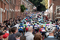 up the already crowded Wijnpersstraat (Leuven local loop)<br /> <br /> U23 - Road Race (WC)<br /> race from Antwerp to Leuven (161.1km)<br /> <br /> UCI Road World Championships - Flanders Belgium 2021<br /> <br /> ©kramon
