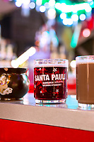 Europa, Deutschland, Hamburg, Santa Pauli, Reeperbahn, Weihnachtsmarkt, Spielbudenplatz, Sankt Pauli, Gluehwein, Weihnachten, shopping, Auslagen, Hamburg, 22.12.2014<br /> <br /> Engl.: Christmas market ''Santa Pauli'' in Hamburg St. Pauli, winter, Germany, Europe, December 2014
