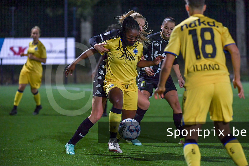 Renate Ly Mehevets (15) of Sporting du Pays de Charleroi and Esther Buabadi (24) of Club Brugge pictured during a female soccer game between Sporting Charleroi and Club Brugge YLA on the sixth matchday in the 2021 - 2022 season of Belgian Scooore Womens Super League , friday 8 October 2021 in Marcinelle , Belgium . PHOTO SPORTPIX | STIJN AUDOOREN