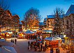 Oesterreich, Tirol, internationaler Wintersportort Seefeld: Christkindlmarkt auf dem Dorfplatz | Austria, Tyrol, international Wintersport Resort Seefeld: Christmas Market at Village Square