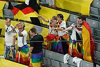 Deutsche Fans zeigen Flagge mit den Regenbogenfarben<br /> - Muenchen 23.06.2021: Deutschland vs. Ungarn, Allianz Arena Muenchen, Euro2020, emonline, emspor, <br /> <br /> Foto: Marc Schueler/Sportpics.de<br /> Nur für journalistische Zwecke. Only for editorial use. (DFL/DFB REGULATIONS PROHIBIT ANY USE OF PHOTOGRAPHS as IMAGE SEQUENCES and/or QUASI-VIDEO)