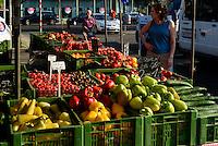 Naschmarkt in Wien, Österreich<br /> Market Naschmarkt, Vienna, Austria