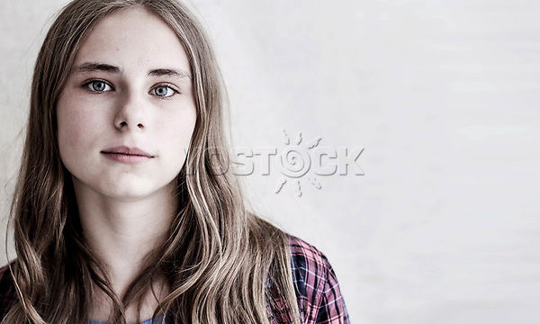 Maedchen, Hartz IV, Bochum<br /> <br /> <br /> *** HighRes auf Anfrage *** Voe nur nach Ruecksprache mit dem Fotografen *** Sonderhonorar ***<br /> <br /> Engl.: Europe, Germany, Bochum, unemployment benefit, Hartz IV, unemployed, unemployment, poverty, poor, social benefits, girl, child, portrait, 20 June 2012<br /> <br /> ***Highres on request***publication only after consultation with the photographer***special fee***