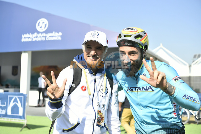 Vittorio Brumotti with H.E. Saeed Hareb at sign on before the start of Stage 1 The Nakheel Stage of the Dubai Tour 2018 the Dubai Tour's 5th edition, running 167km from Skydive Dubai to Palm Jumeirah, Dubai, United Arab Emirates. 6th February 2018.<br /> Picture: LaPresse/Fabio Ferrari | Cyclefile<br /> <br /> <br /> All photos usage must carry mandatory copyright credit (© Cyclefile | LaPresse/Fabio Ferrari)
