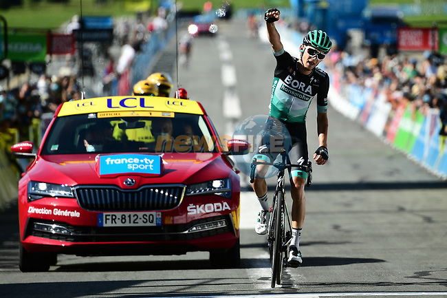 Lennard Kamnä (GER) Bora-Hansgrohe wins solo Stage 4 of Criterium du Dauphine 2020, running 157km from Ugine to Megeve, France. 15th August 2020.<br /> Picture: ASO/Alex Broadway | Cyclefile<br /> All photos usage must carry mandatory copyright credit (© Cyclefile | ASO/Alex Broadway)