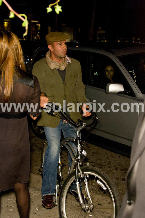 **ALL ROUND PICTURES FROM SOLARPIX.COM**.**SYNDICATION RIGHTS FOR UK, SPAIN, PORTUGAL, AUSTRALIA, S.AFRICA & DUBAI (U.A.E) ONLY**.the Grand Opening of Catherine Malandrino Maison in West Hollywood, California, USA. 20th October 2008..This pic: Billy Zane..JOB REF: 7646 PHZ (Hatcher)   DATE: 20_10_2008.**MUST CREDIT SOLARPIX.COM OR DOUBLE FEE WILL BE CHARGED* *UNDER NO CIRCUMSTANCES IS THIS IMAGE TO BE REPRODUCED FOR ANY ONLINE EDITION WITHOUT PRIOR PERMISSION*