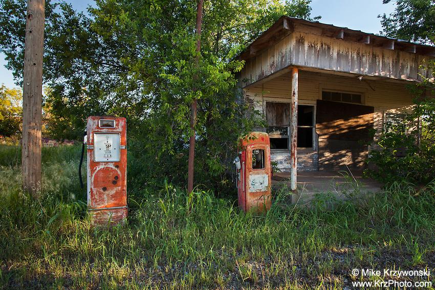 Abandoned Gas Station, Gilliland, TX