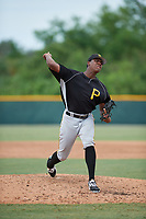 Pittsburgh Pirates pitcher Wilmer Contreras (29) delivers a pitch during an Instructional League intrasquad black and gold game on October 6, 2017 at Pirate City in Bradenton, Florida.  (Mike Janes/Four Seam Images)