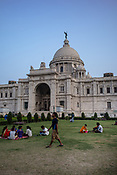 Local and tourists seen enjoying the evening as they visit the Victoria Memorial in Kolkata, West Bengal  on Friday, May 26, 2017. Photographer: Sanjit Das